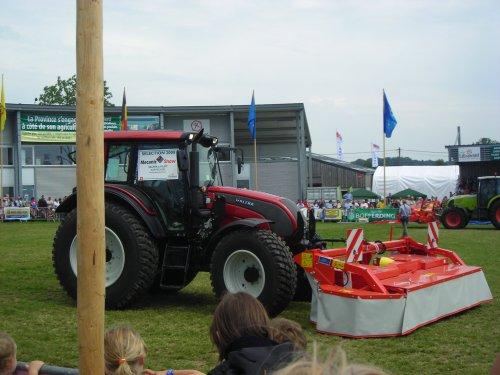 Valtra LHLINK (draaibare fronthef)  van landbouw