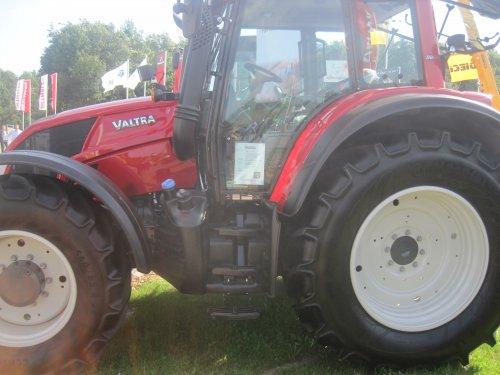 Foto van een Valtra N163 Direct.. Geplaatst door jordi 1455 op 09-09-2012 om 14:53:26, op TractorFan.nl - de nummer 1 tractor foto website.