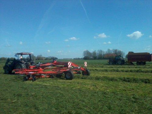 16 april.... Geplaatst door coenvaltra op 01-06-2014 om 19:53:06, op TractorFan.nl - de nummer 1 tractor foto website.