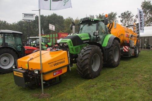 65 jaar agrarische schouw Joure. Geplaatst door jd6100 op 01-10-2017 om 10:31:34, op TractorFan.nl - de nummer 1 tractor foto website.