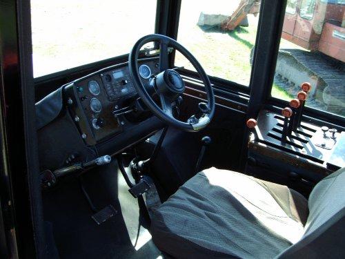 binnenkant cabine Versatile 555.. Geplaatst door Aswinmf op 24-02-2012 om 14:10:34, met 10 reacties.