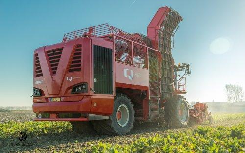Foto van een Vervaet Bietenrooier. Geplaatst door Johan D op 29-11-2016 om 20:11:10, op TractorFan.nl - de nummer 1 tractor foto website.