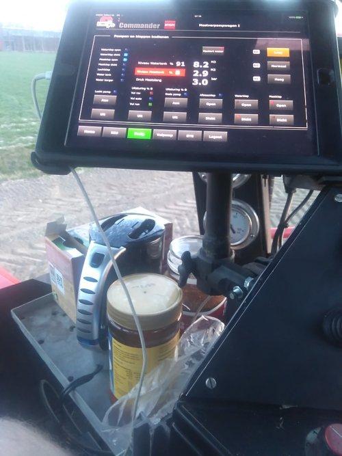 Foto van een Vervaet Hydro Trike Het koffie en soep hoekje. Geplaatst door 930triplemaaier op 31-03-2017 om 07:19:07, met 3 reacties.