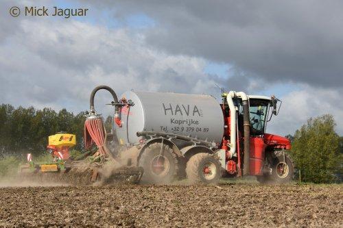 Vervaet Hydro Trike XL met Amazone Catros +6002 pro schijveneg, Loon- en Transportbedrijf HAVA uit Kaprijke.  Filmpje? -> https://www.tractorfan.nl/movie/50327/