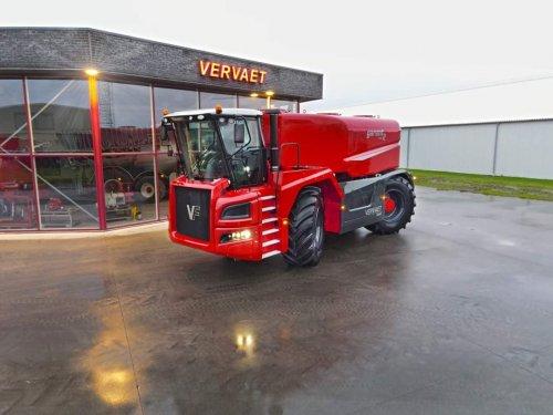 Niet zelf gemaakt, maar deze foto kreeg ik gisteren doorgestuurd.   Schijnt dat Vervaet weer een 4-wieler gebouwd heeft. Ik ben benieuwd!   Heeft iemand hier meer informatie over?
