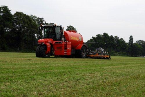 Zodebemesten. Geplaatst door pekkerietfan op 28-07-2021 om 13:51:41, op TractorFan.nl - de nummer 1 tractor foto website.