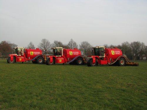 Vervaet hydro trikes De Samenwerking BV, bezig met bemesten.  http://www.desamenwerkingbv.nl. Geplaatst door betten op 02-02-2009 om 18:51:36, met 4 reacties.