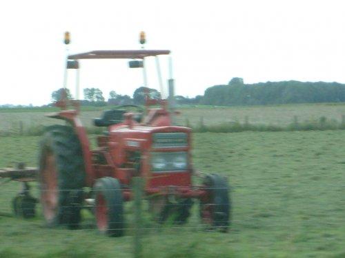 Foto van een Volvo BM 430, bezig met gras schudden.. Geplaatst door bennie john deere op 14-09-2008 om 20:00:40, met 6 reacties.