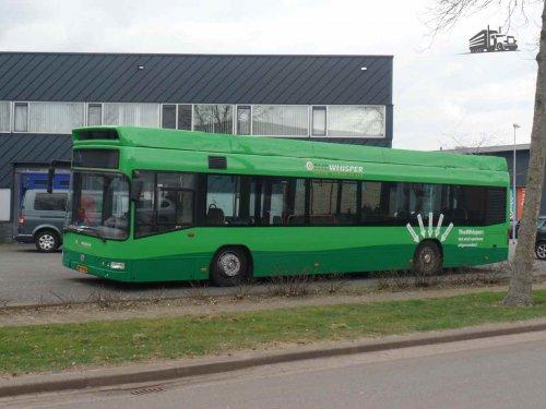 Foto van een Volvo buschassis, opgebouwd voor personenvervoer. Gespot bij E-Traction in Apeldoorn. Project