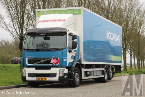 Foto van een Volvo FE Hybrid 1st gen van Portena Transport- en Veembedrijf B.V. (Heerenveen) ×, opgebouwd met gesloten opbouw.