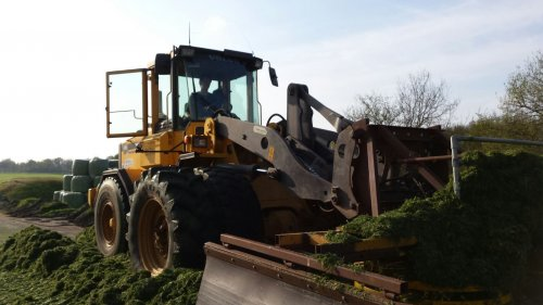 Volvo L70C van international533