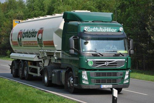 Foto van een Volvo FM 3rd gen, opgebouwd voor bulktransport.. Geplaatst door Lucas Ensing op 15-04-2018 om 14:27:45, op TractorFan.nl - de nummer 1 tractor foto website.
