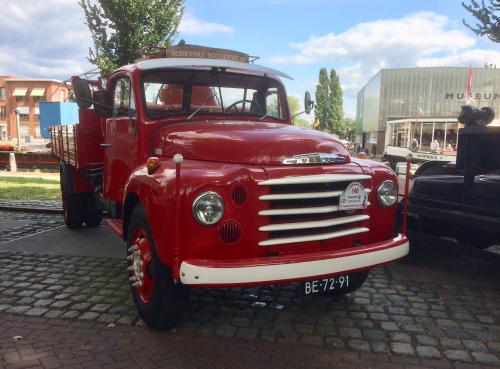 Foto van een Volvo L475, opgebouwd als open laadbak.. Geplaatst door steenhaas1 op 08-09-2018 om 19:35:12, op TractorFan.nl - de nummer 1 tractor foto website.