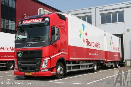 Foto van een Volvo FH 4th gen, door Burgers opgebouwd voor koeltransport.. Geplaatst door Alex Miedema op 24-04-2014 om 12:23:43, op TractorFan.nl - de nummer 1 tractor foto website.