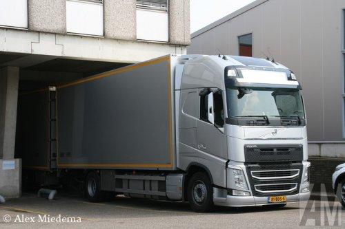 Foto van een Volvo FH 4th gen, door Burgers opgebouwd voor koeltransport.. Geplaatst door Alex Miedema op 24-04-2014 om 13:19:23, op TractorFan.nl - de nummer 1 tractor foto website.