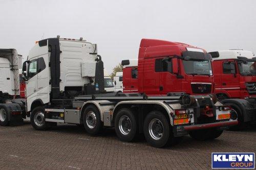 Foto van een Volvo FH16 4th gen, opgebouwd voor containertransport.. Geplaatst door Katy Kleyn op 25-10-2016 om 13:32:32, op TractorFan.nl - de nummer 1 tractor foto website.