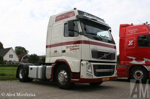 Foto van een Volvo FH 3rd gen.. Geplaatst door Alex Miedema op 07-09-2014 om 22:03:18, op TractorFan.nl - de nummer 1 tractor foto website.