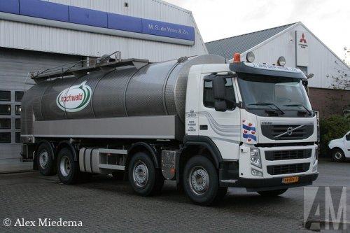 Foto van een Volvo FM 3rd gen, opgebouwd voor tanktransport.. Geplaatst door Alex Miedema op 22-10-2014 om 11:53:29, op TractorFan.nl - de nummer 1 tractor foto website.