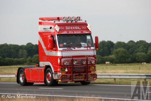 Foto van een Volvo FH12 1st gen.. Geplaatst door Alex Miedema op 16-12-2014 om 16:43:58, op TractorFan.nl - de nummer 1 tractor foto website.