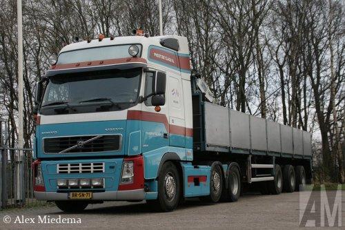 Foto van een Volvo FH 2nd gen, opgebouwd voor steentransport.. Geplaatst door Alex Miedema op 30-03-2014 om 12:08:37, op TractorFan.nl - de nummer 1 tractor foto website.