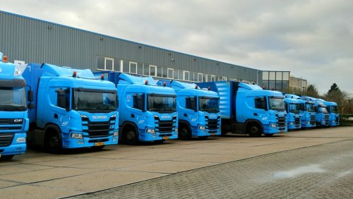 Kijk, daar heb je Beko Groothandel (Meppel) × met een vrachtwagen Diverse, opgebouwd voor koeltransport.