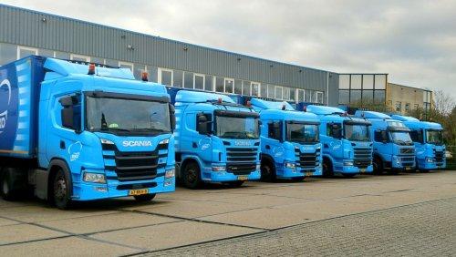 Hier zie je Beko Groothandel (Meppel) × met een vrachtwagen Diverse, opgebouwd voor koeltransport.. Geplaatst door marco-havers op 25-12-2019 om 18:37:59, op TractorFan.nl - de nummer 1 tractor foto website.
