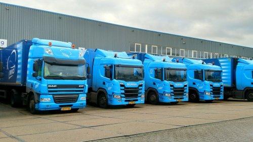 Op deze foto staat Beko Groothandel (Meppel) × met een vrachtwagen Diverse, opgebouwd voor koeltransport.