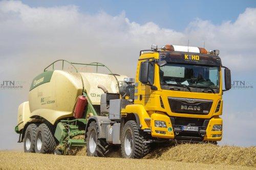 MAN Agrotruck in het stro! - KEHO Agrarhandel  Nu meer op: http://www.jtnfotografie.nl. Geplaatst door fendtvario op 21-08-2016 om 17:07:09, met 5 reacties.