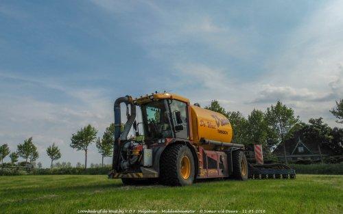 Loonbedrijf de West met hun Vredo VT 2516.. Geplaatst door Simco vd Deure op 26-10-2017 om 10:19:35, op TractorFan.nl - de nummer 1 tractor foto website.
