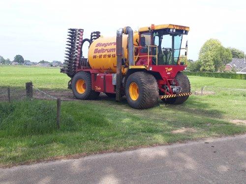 Alles voor de 2e snede ook weer bemest. Geplaatst door tone29 op 27-05-2018 om 13:57:02, op TractorFan.nl - de nummer 1 tractor foto website.