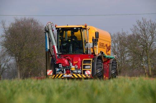 TJ Van Loco met hun nieuwe Vredo VT 4556. Geplaatst door jd7920 op 23-02-2019 om 23:28:10, op TractorFan.nl - de nummer 1 tractor foto website.