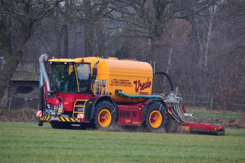 TJ Van Loco met hun nieuwe Vredo VT 4556. Geplaatst door jd7920 op 23-02-2019 om 23:28:12, op TractorFan.nl - de nummer 1 tractor foto website.