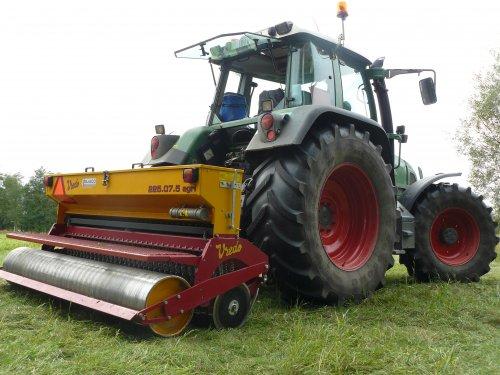 Foto van een Vredo Doorzaaimachine, bezig met zaaien.. Geplaatst door fendt-714 op 05-11-2012 om 23:34:46, op TractorFan.nl - de nummer 1 tractor foto website.