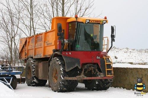 Foto van een Vredo VT 3936 met Veenhuis opbouw van Westra.. Geplaatst door Alex Miedema op 08-11-2013 om 12:20:09, op TractorFan.nl - de nummer 1 tractor foto website.