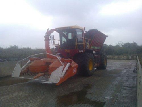 Foto van een Vredo VT 3326 Aanstoot - Pekkeriet Holten. Geplaatst door keizer op 25-11-2014 om 23:05:21, op TractorFan.nl - de nummer 1 tractor foto website.