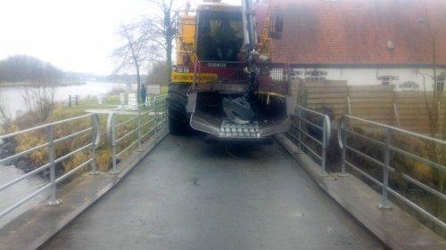 Foto van een Vredo VT 3926. er is niet overal evenveel plaats :-D. Geplaatst door Fendttrisixfan op 20-02-2015 om 18:17:54, op TractorFan.nl - de nummer 1 tractor foto website.