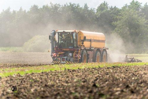 Foto van een Vredo VT 5518. Geplaatst door Johan D op 01-09-2016 om 20:44:55, op TractorFan.nl - de nummer 1 tractor foto website.