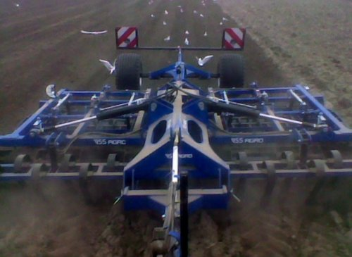 VSS Agro Cultivator van lamborghini R754