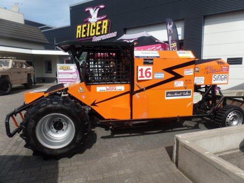 Foto van een Racecombine met VW Touareg motor. Gespot op de open dag van Reiger Suspension in Hengelo (Gld).