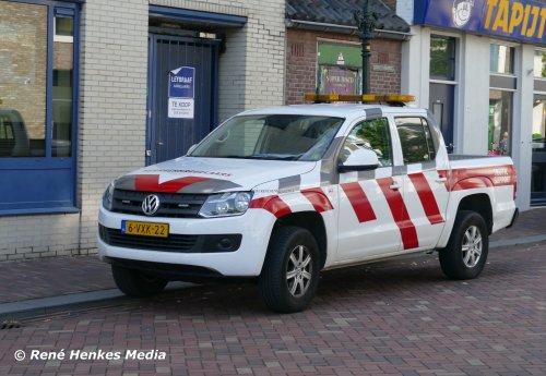 Foto van een VW Amarok van Traffic Support (Zwolle) ×, opgebouwd voor personenvervoer.. Geplaatst door René op 13-08-2019 om 23:11:44, op TractorFan.nl - de nummer 1 tractor foto website.