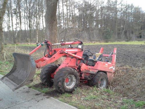 Weidemann 1070 van newholland6640