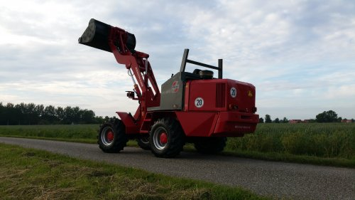 Weidemann 4002 DP van -NEW-HOLLAND-