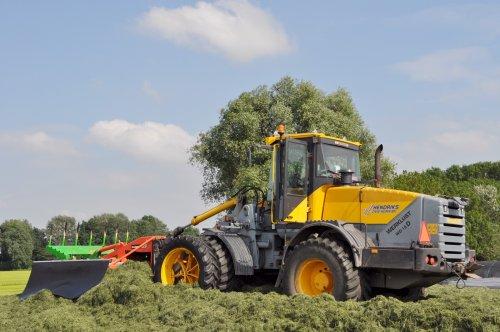 WG 18 beetje kuil aant verdelen. Geplaatst door SiegerJD op 09-07-2017 om 13:32:46, op TractorFan.nl - de nummer 1 tractor foto website.