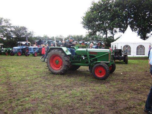 Foto van een Wesseler WL340E. Geplaatst door jordi 1455 op 26-11-2017 om 21:57:14, op TractorFan.nl - de nummer 1 tractor foto website.