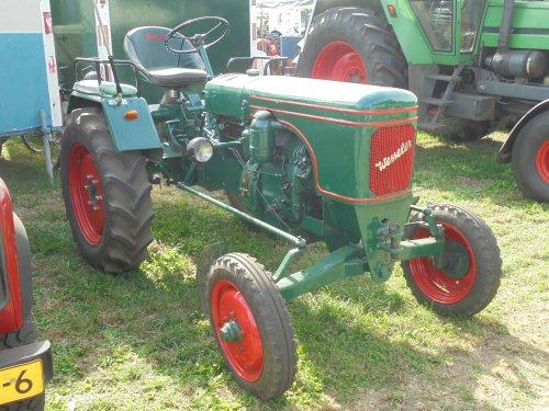 Foto van een Wesseler W18, Meddo 2018. Geplaatst door holderb51 op 28-09-2018 om 20:48:03, op TractorFan.nl - de nummer 1 tractor foto website.
