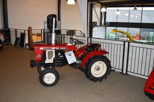 Foto van een Yanmar Onbekend. Geplaatst door jordi 1455 op 25-12-2019 om 19:15:04, op TractorFan.nl - de nummer 1 tractor foto website.