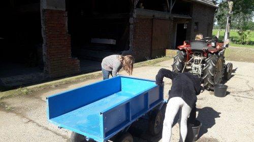 Foto van een Yanmar YM 1500 die wordt gepoetst. Ook onderhoud moet je leren.. Geplaatst door contitour op 11-01-2020 om 05:09:36, op TractorFan.nl - de nummer 1 tractor foto website.