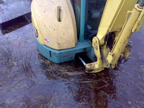 haha ik zit niet vast hoot moest een klein stukje door het water zit wel hardigheid onder...haha. Geplaatst door Ronnyuutrune op 18-01-2008 om 05:53:02, met 12 reacties.