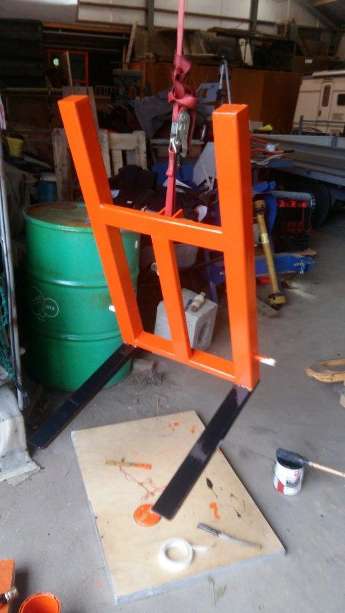 Foto van zelfbouw palletvork klaar voor gebruik.. Geplaatst door jochem-vahl op 07-05-2018 om 15:53:58, met 2 reacties.