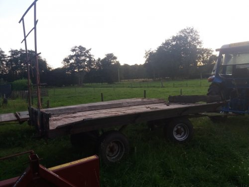 Foto van een Zelfbouw Oprijwagen. Geplaatst door jannie2001 op 10-09-2019 om 16:45:58, met 4 reacties.